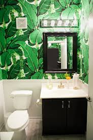 wallpaper for bathroom ideas amelia canham eaton s chicago apartment banana leaves amelia and