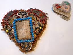 Making Pin Cushions Some Thoughts On Historic Pin Cushion Hearts Helen Cobby