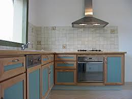 cuisine bi couleur cuisine bi couleur bois et stratifie menuiserie patry