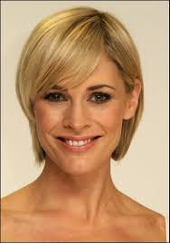 straight short hairstyles for fine hair and oval shaped face woman