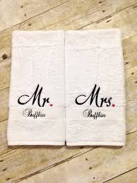 wedding gift towels 13 best monogrammed towels images on embroidery ideas