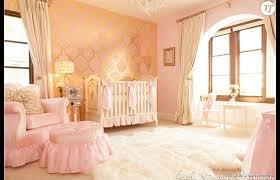chambre de princesse du doré et du pour cette chambre de princesse signée