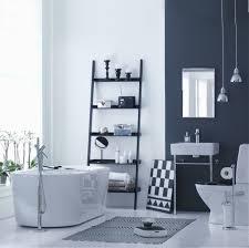 wandfarben badezimmer wandfarbe taubenblau mit der bescheidenheit der tauben spielen