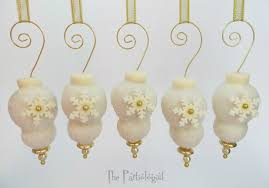 the partiologist christmas ornament cake pops