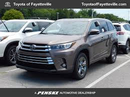 toyota showroom locator 2017 new toyota highlander limited platinum v6 awd at toyota of