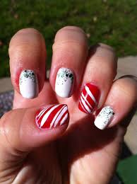 lovely christmas candy cane nail designs