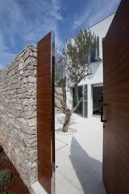 Modern Front Door Decor by Best 25 Modern Entrance Door Ideas On Pinterest Modern Entrance
