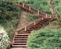 garten treppe gartentreppe holz selber bauen terraced yards