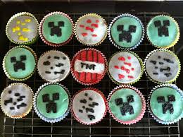 minecraft cupcakes some minecraft cupcakes i m pretty proud of these minecraft