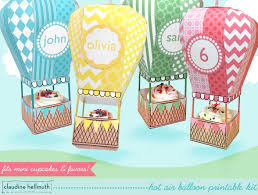 make a air balloon party favor box holds mini cupcakes too