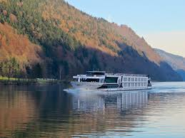 choosing the right europe river cruise river cruise experts