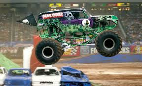 the first grave digger monster truck 20 crashing monster trucks that are totally badass