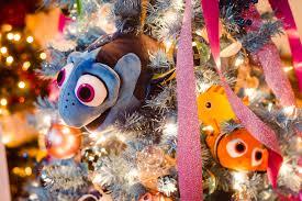 o christmas tree clutch mov