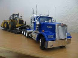 kenworth w900 model truck my model garage norscot kenworth w900 with lowboy trailer