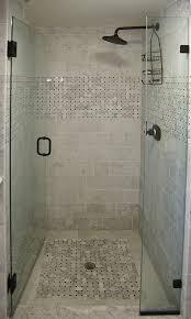 bathroom tiling ideas for small bathrooms duchas con puerta de vidrio templado con puerta batiente hacia el