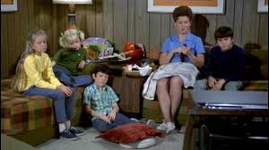 the brady bunch to move or not to move cbs