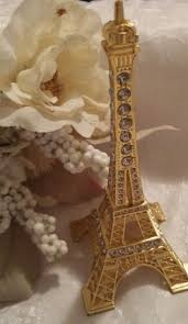 Eiffel Tower Decorations Best 20 Paris Themed Bedrooms Ideas On Pinterest Paris Bedroom