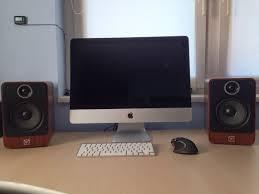 minimalist speakers my minimalist setup 21 5 imac 2 0 speakers macsetups