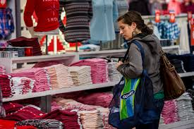 old navy hours on thanksgiving old navy u0027s sudden reversal of fortune worries gap inc investors