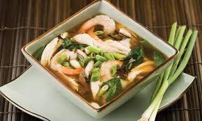cuisine asiatique poulet soupe asiatique au poulet et crevettes le poulet du québec