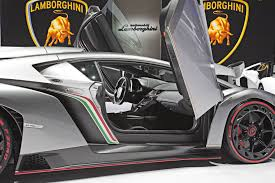 Lamborghini Veneno Back View - 2013 lamborghini veneno detail photo scissor doors open size