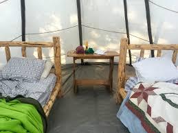 a pacific northwest roadtrip in alternative airbnbs