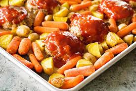 mini meatloaf cooking light sheet pan mini meatloaf and veggies julie s eats treats