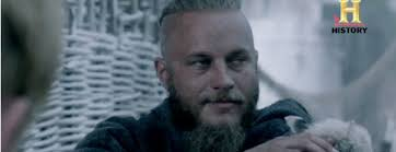 travis fimmel hair comic con interviews we asked vikings travis fimmel about the