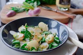 cuisiner navets nouveaux salade de navets cru cuit sauce crémeuse à l estragon les pépites