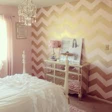 Pink Gold Bedroom Best 25 Gold Walls Ideas On Pinterest Girls Bedroom Room