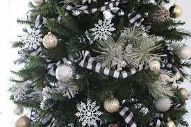 black and white buffalo check tree for the holidays