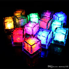 2018 battery operated led flash cube lights put in water