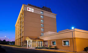 Comfort Inn St Charles Hotel In St Charles Missouri Best Western Plus The Charles Hotel