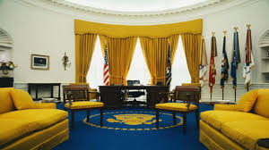 can you spot the huge difference between trump u0027s oval office and
