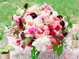 wedding flowers bouquets and centerpieces