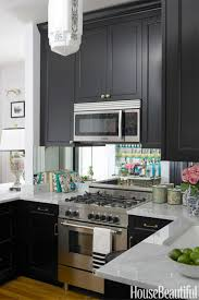 Modern Kitchen Cabinet Designs by Beautiful Modern Kitchen Set Awesome Design With Shiny Maroon