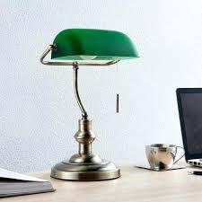 le de bureau banquier laiton verre vert le bureau banquier milenka le de bureau avec abat jour vert