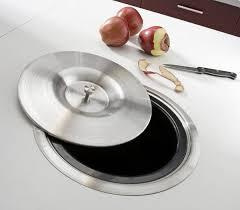 poubelle de cuisine leroy merlin pratique une poubelle de 7 litres intégrée dans le plan de