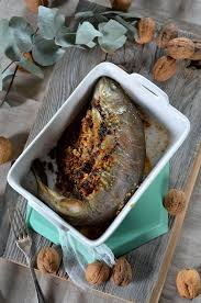 cuisiner truite au four truite au four farcie aux noix recette tangerine zest