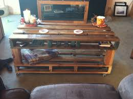 wooden palate coffee table wood palate from lowes 15 bucks 4x4
