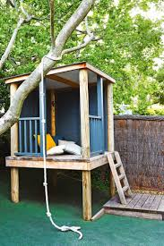 Basic Backyard Landscaping Ideas by Best 25 Simple Tree House Ideas On Pinterest Diy Tree House