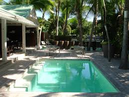 pool and spa cleaning maintenance