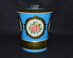 Decorative tea tins
