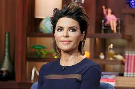 Lisa Rinna Debuts New Hairstyle Do Housewives Approve The