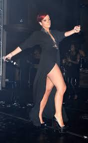 lily allen is wearing underwear on stage in london but it u0027s hard