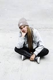 hairstyles for skate boarders best 25 skater girl hair ideas on pinterest longboarding outfit