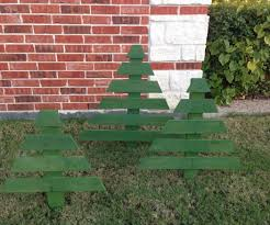 pallet christmas trees 9 steps with pictures