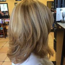 non againg haircuts for women over 50 are you looking for a style that is not only aged appropriately