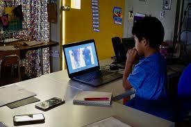 Fermilab Help Desk News Fermilab Herdsmen Teach Bilingual Hcs Students About Bison