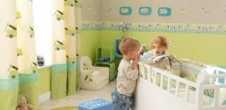 wandgestaltung in grün wandgestaltung kinderzimmer junge grün braun höchster qualität